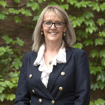 Sue Lacey - Senior Sales Consultant